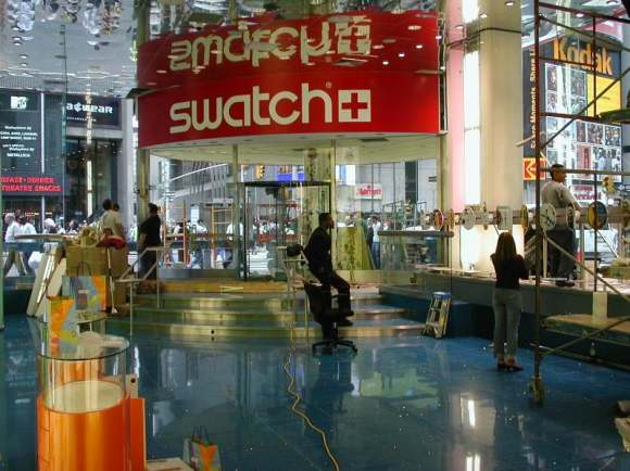 Swatch_times_square_store